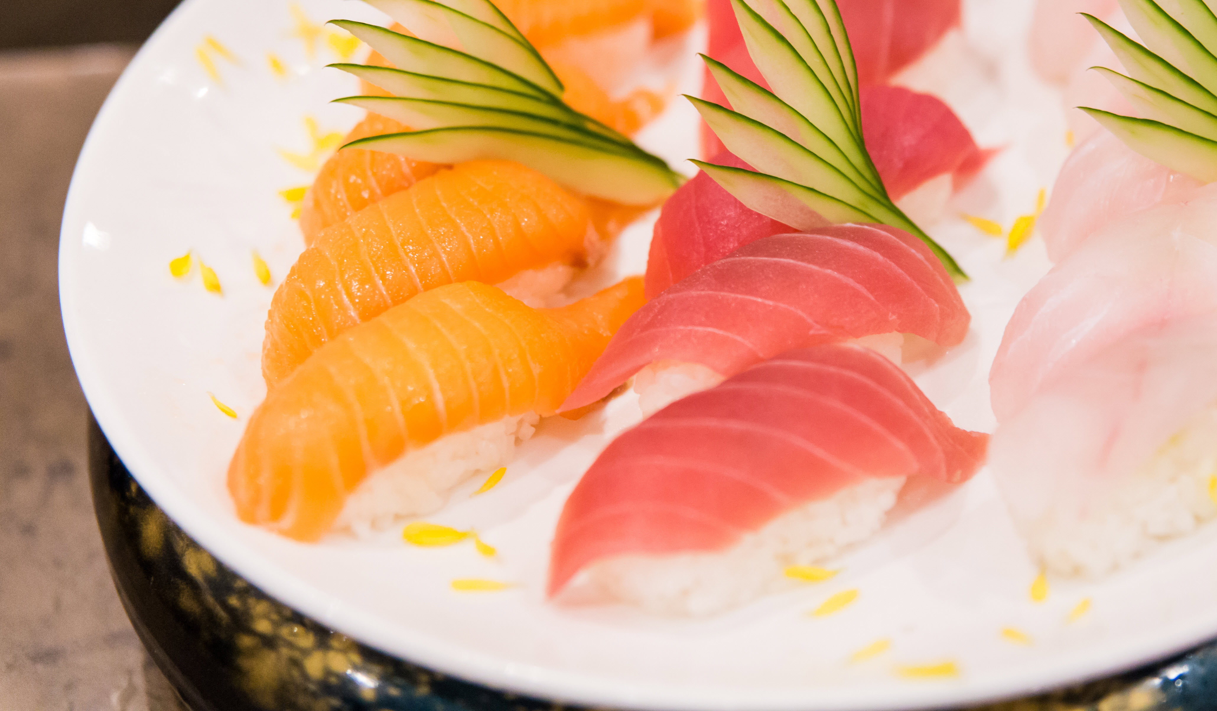 Fresh catch assures diners of the   most delectable sashimi & suhi selection.