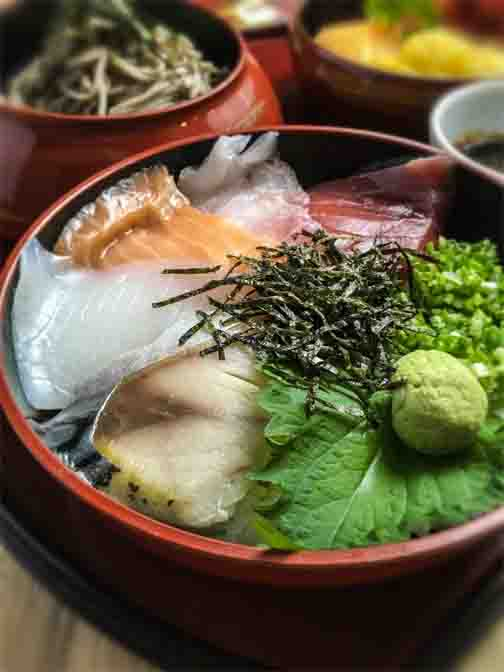 KAISENDON SET - Fresh catch is turned the most delectable meal and menu options.