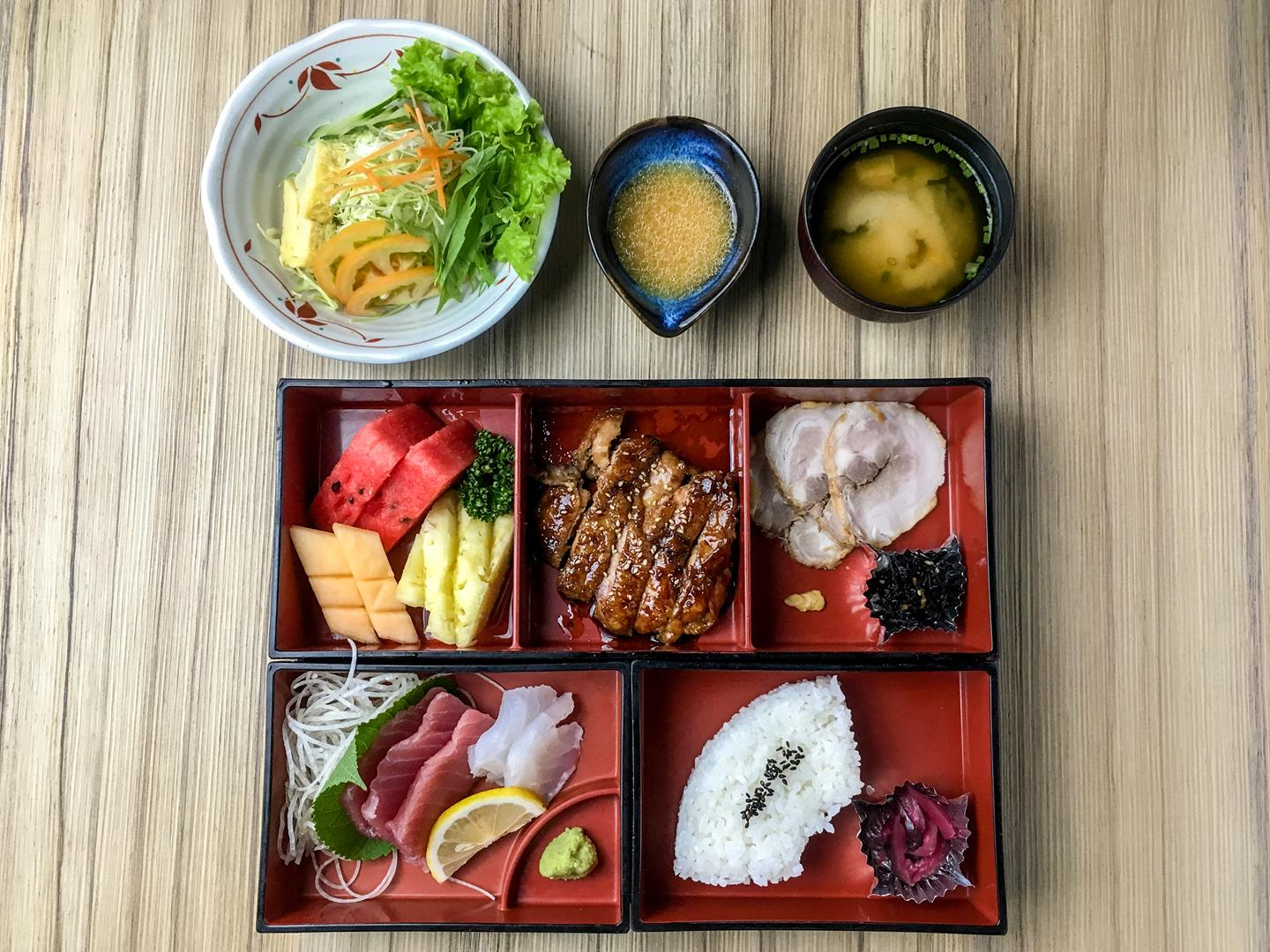 The special take bento box is priced at Php582 (VAT inclusive). A great value-for-money deal