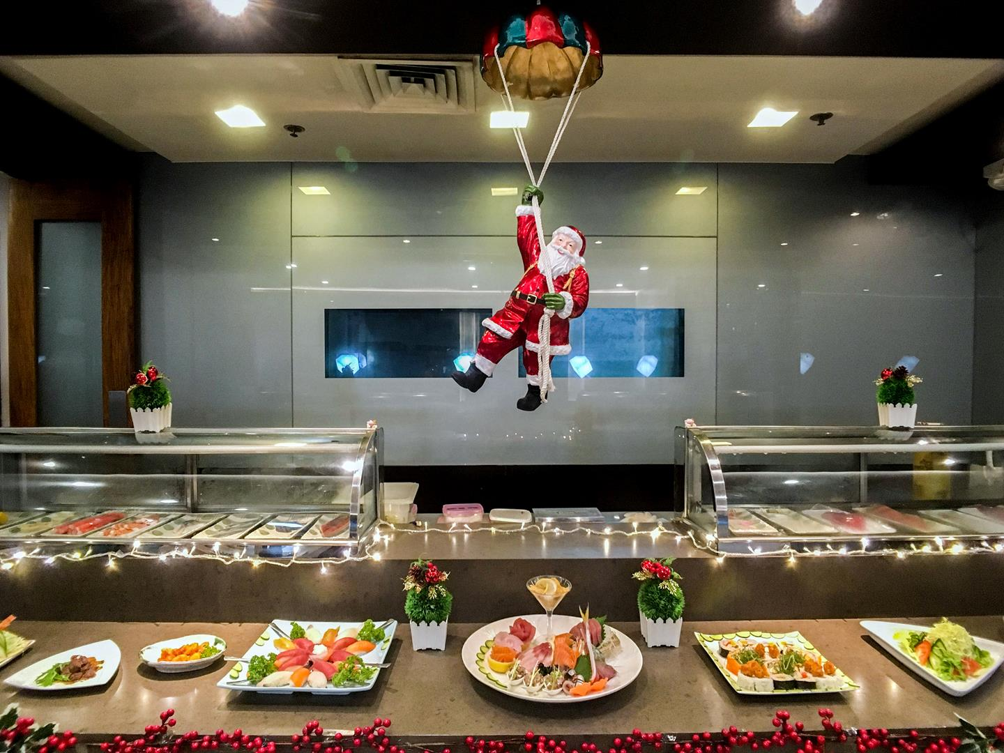 Enjoy Kitsho's Christmas buffet from 12noon 'til 4 in the afternoon!