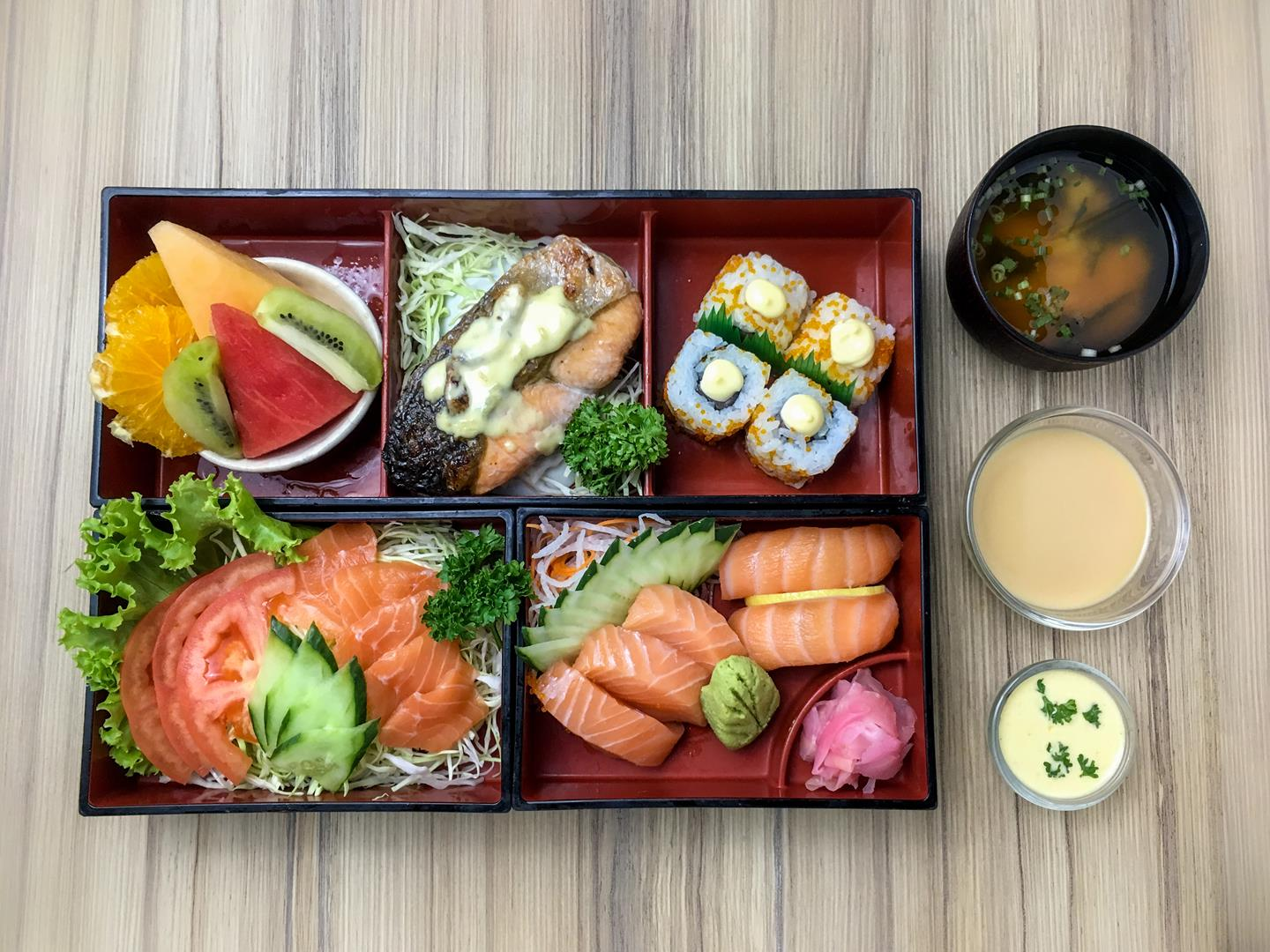 The Norwegian bento box is for those who particularly love salmon.