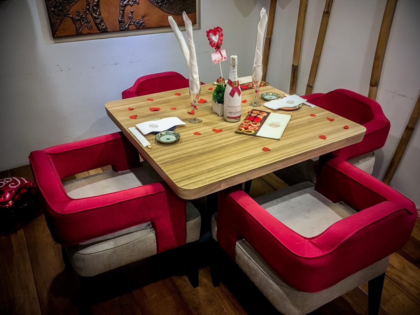 Lovelorn couples will enjoy this special seating for two!